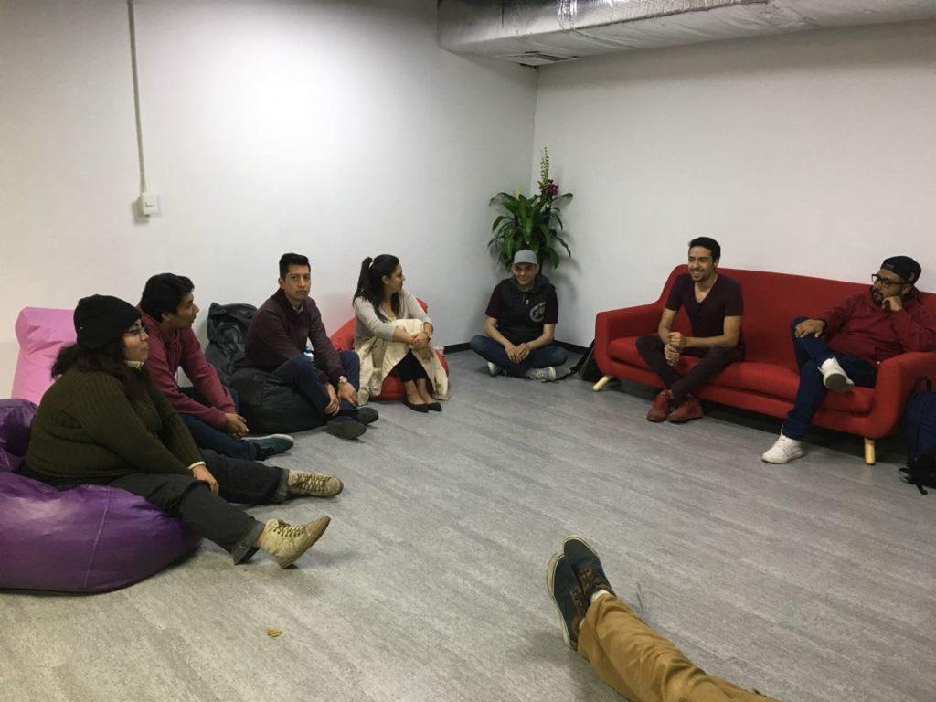 Empleados de Grupo MedLegal en taller